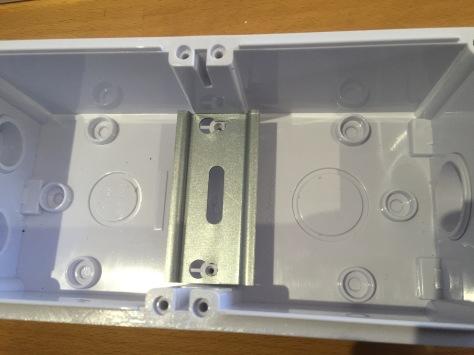 20-amp-3p-box-1